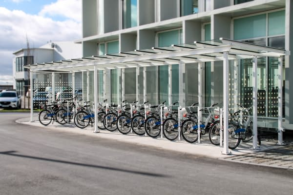 Modern Passau bicycle shelter with leaning brackets
