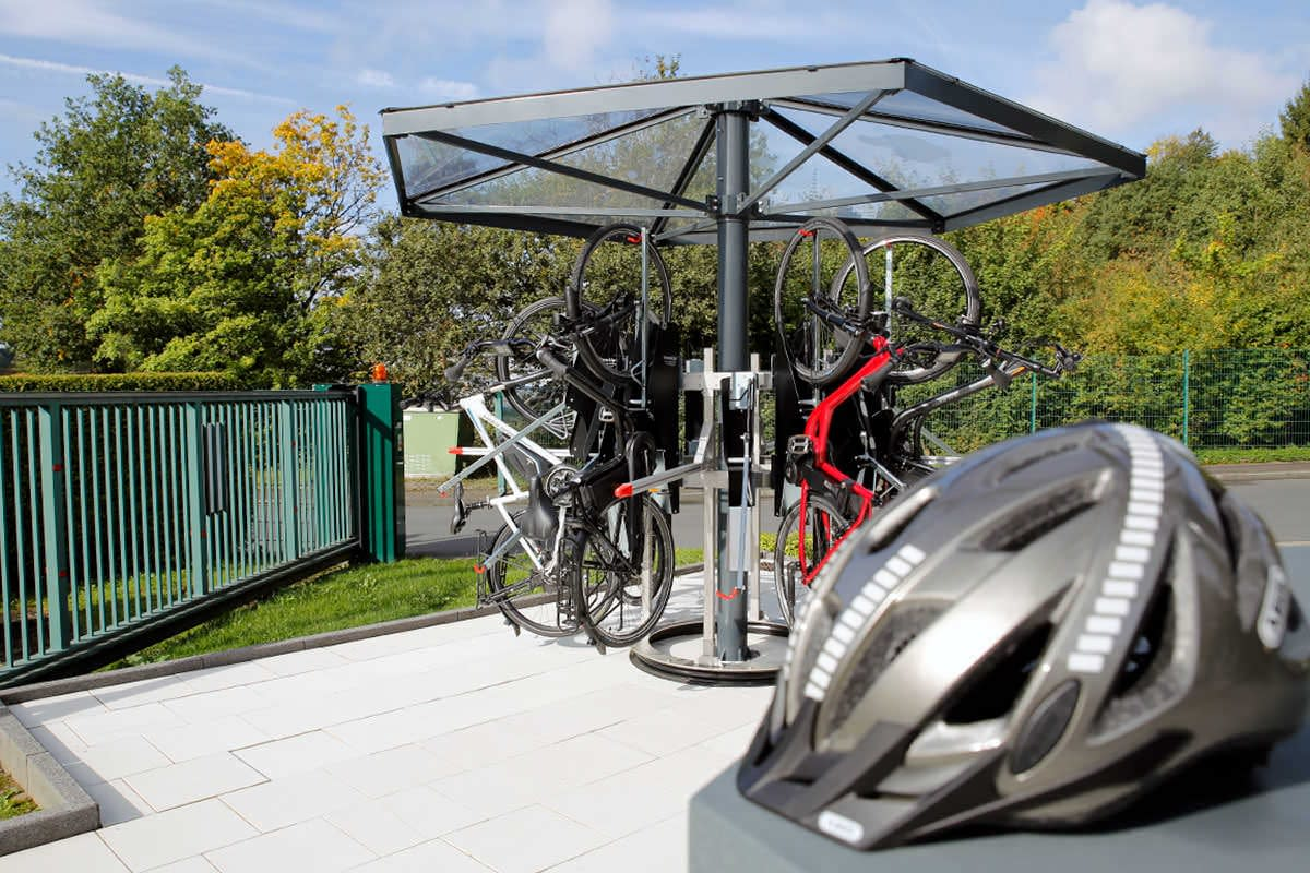 A bicycle carousel with adjusted bicycle wheels
